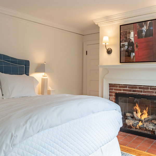 N<sup>o</sup> 8 | The Fireplace Room