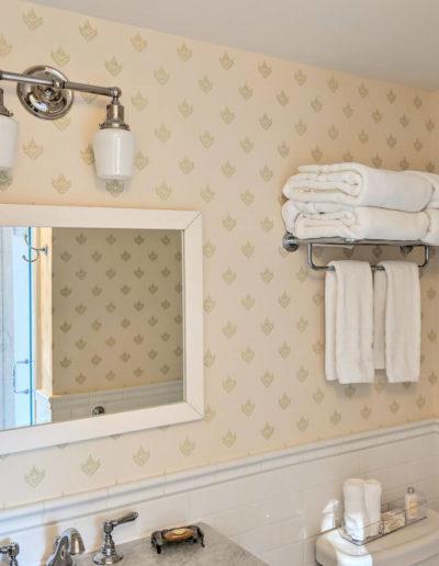 room-3-bathroom-3-thumb