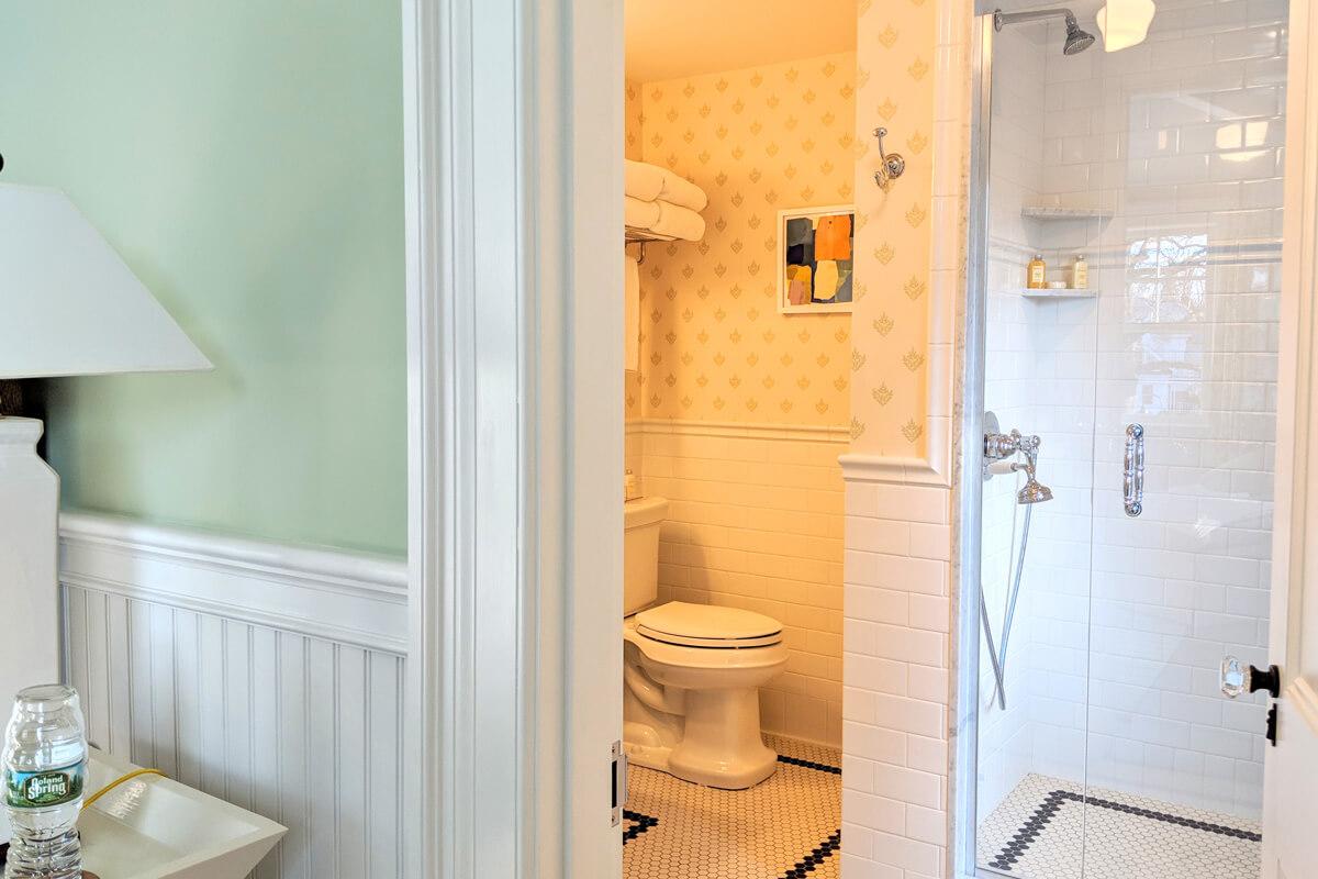room-3-bathroom-4-slider