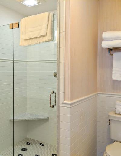 room-5-bathroom-4-thumb