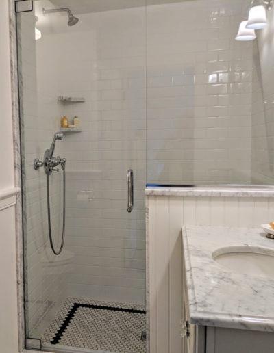 room-8-bathroom-2-thumb